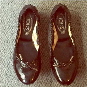 Tod's ballet flats in patent leather with dustbag